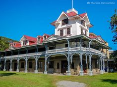 Siliman University in Dumaguete City, Negros Oriental, Philippin Philippines Cities, Visit Philippines, Beautiful Places To Visit, Cool Places To Visit, Tourist Spots, School Architecture, Travel Goals, Where To Go, Mansions