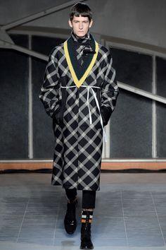 Raf Simons Fall 2016 Menswear Fashion Show