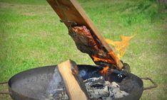 Flamm-Flank-Steak mit Birnen-Salsa | BBQPit.de Salsa, Grilling, Bbq, Outdoor Decor, Highlights, Kochen, Flank Steak Recipes, Pears, Beef