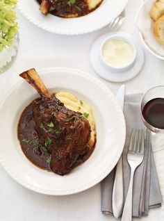 Ricardo& recipe : Braised Lamb Shanks with Prunes Lamb Recipes, Top Recipes, Slow Cooker Recipes, Real Food Recipes, Cooking Recipes, Slow Cooking, Crockpot Recipes, Goat Stew Recipe, Recipes