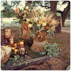 Fall wedding decor idea