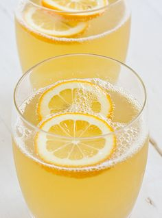 Lightly Sweetened Sparkling Meyer Lemonade | Oh My Veggies