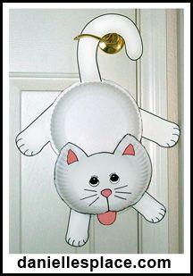 gatito para colgar en la puerta