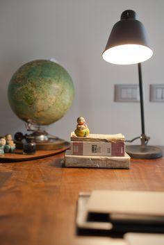Villa Our Time è una villa in bioedilizia dalla forte personalità situata a Martignacco, nelle colline a Nord di Udine.  La casa si dispone su due piani. Il piano terra di 111 mq ospita la cucina e la sala da pranzo, il soggiorno, uno studio e la camera padronale con il bagno di pertinenza. La cucina di ampia metratura è il vero e proprio cuore della casa. Il primo piano ospita un bellissimo soppalco adibito a studio con uscita su un terrazzo abitabile, un bagno e la centrale termica.