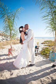 Real Wedding: DIY Beach wedding in San Diego | Done Brilliantly