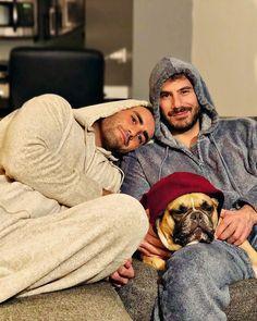 Pajama Pijama Pajama Men Pijama hombre Love is love Same love Love Gay Man 2 Man, Man And Dog, Gay Cuddles, Cuddling, Cute Gay Couples, Couples In Love, Same Love, Man In Love, Just Beautiful Men