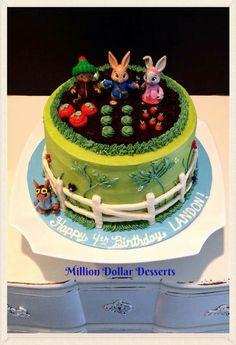 Peter Rabbit Cake #buttercream #milliondollardesserts