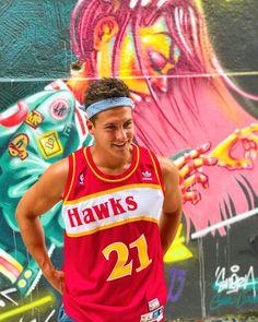 Fuck bandanas haters 🤷🏻♂️ #StreetArt #bandanas #Orléans #Art #graffiti #Hawks #Atlanta