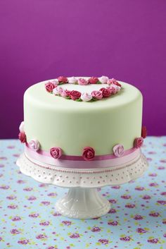 CakeDecorating - Perfect for your Valentine Sweetheart Romantic Rose Cake As featured in Issue40