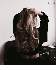 Hairdressing Advice That Will Keep Your Hair Looking Great. Are you affected by constant bad hair days? Do you feel as if you have tried everything possible to get manageable hair? Do not stress about your hair, rea Bad Hair, Hair Day, Messy Hairstyles, Pretty Hairstyles, Winter Hairstyles, Cut Her Hair, Great Hair, Gorgeous Hair, Hair Goals