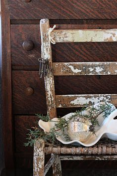 ...simple country Christmas decor