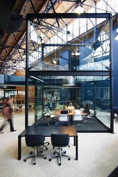 BVN Architecture - Goods Shed North    Winners of the 2010 Design Institute of Australia Interior Design Award for Corporate Design. Méthode
