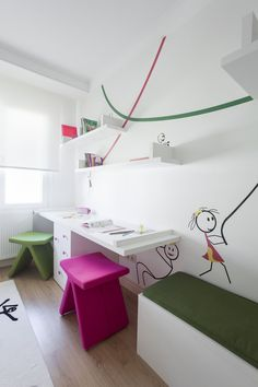 Amazing Wall Decoration and Corner Study Table Furniture in Modern Kids Bedroom Decorating Designs Ideas Amazing and Modern Bedroom Decorating Ideas for your Little Kids Study Room Design, Kids Room Design, Playroom Design, Playroom Ideas, Bureau Design, Study Rooms, Study Space, Play Rooms, Study Desk