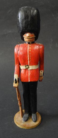 antiker Holzsoldat geschnitzt bemalt Schottische Garde / Scots Guards um 1910…