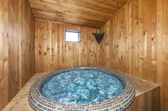 Parklands Motor Lodge offers accommodation options self contained and studio units in the heart of Turangi. Thermal Pool, Motel, Mountain Biking, Pools, Skiing, Restaurant, Explore, Activities, Bar