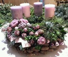 Filling Your Home with Favorite Christmas Scents- Pink Candles – Advent Wreath İdeas. Centerpiece Christmas, Christmas Advent Wreath, Christmas Scents, Christmas Arrangements, Christmas Candles, Holiday Wreaths, Winter Christmas, Christmas Time, Christmas Crafts