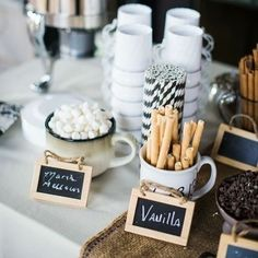21 Hot Chocolate Bar Ideas For Your Winter Wedding - Winter wonderland - Wedding Chocolate Club, Hot Chocolate Bars, Hot Chocolate Bar Wedding, Chocolate Coffee, Chocolate Party, Delicious Chocolate, Cute Wedding Ideas, Wedding Trends, Wedding Pictures