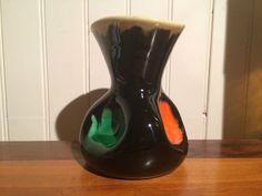 Coup de cœur assuré pour ce mignon petit vase vintage en céramique émaillée, époque des poteries de Vallauris,forme libre esprit moderniste des années 60
