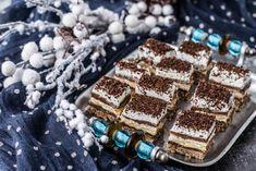 Prajitura Kinder Bueno - Bucătăria Urecheatei Romanian Desserts, Nutella, Tiramisu, Deserts, Easy Meals, Dessert Recipes, Ethnic Recipes, Food, Bun Bun