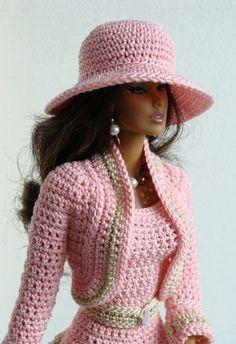 crochet fashion doll dress and coatBarbie Doll Crochet Clothes (Barbies Fashion) to BRL 25 in PriceLandia BrazilExquisitely crocheted outfit for Barbie.www lojaabril com br manequim moldes onlineMe as a Barbie . Barbie Patterns, Doll Clothes Patterns, Clothing Patterns, Crochet Doll Dress, Crochet Barbie Clothes, Crochet Hats, Habit Barbie, Black Barbie, Pink Barbie