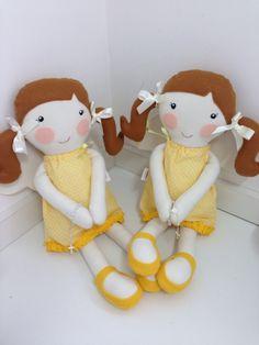 Boneca Anjo da Guarda (acompanha um mini terço)