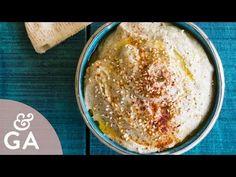 Este Paté de berenjenas vegano os encantará por su melosidad, si quieres conocer la historia del MUTTABAL BETINJAN ó BABA GANUJ, y su receta paso a paso ¡no te pierdas este artículo!