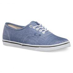 VANS Authentic Lo Pro chambray blue true white chaussures fines 65,00 € #vans #vansshoes #vansfootwear #vansoffthewall #skateshoes #skateshoe #skate #skateboard #skateboarding #streetshop #skateshop @PLAY Skateshop