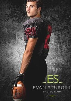 Football Poses, Football Players, Sport Photography, Photography Ideas, Senior Portraits, Senior Pictures, Rugby Sport, Football Images, Boy Poses