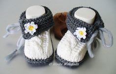 Strick- & Häkelschuhe - AugustWolke Babyschuhe - ein Designerstück von strickliene bei DaWanda
