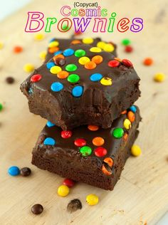 80k+ pinner's can't be wrong! Thick, fudgy brownies smothered in silky smooth chocolate ganache, and topped with M&M candies.