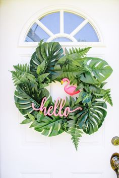 Summer wreath ideas with tropical palm leaves and flamingos Tropical summer palm leaf wreath DIY! Flamingo wreath and palm leaves for the front door! Front Door Decor, Wreaths For Front Door, Summer Diy, Summer Crafts, Diy Wreath, Wreath Ideas, Tulle Wreath, Burlap Wreaths, Diy Design