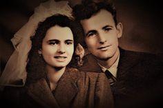 Innocenti Maryse & Laurent Venturini lors de leur mariage, le 2 décembre 1950, à l'église de Borgo en Haute-Corse. Ils sont les parents du poète français Serge Venturini. -- Afficher l'image d'origine