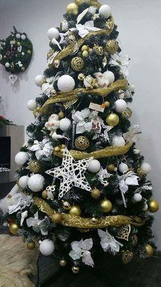 Vánoční stromky ozdobené našimi zákazníky | Svět Stromků Christmas Wreaths, Holiday Decor, Home Decor, Christmas Tree, Decoration Home, Room Decor, Home Interior Design, Home Decoration, Interior Design