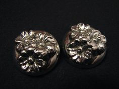 Vintage Round Puffy Silver Tone Daisy Flower Clip by ditbge, $6.75