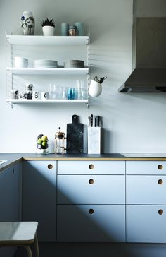 My blue kitchen with fronts from Reform Cph. Nordic, minimalistic with an updated 1970 feel. Plywood Kitchen, Wooden Kitchen, New Kitchen, Kitchen Dining, Kitchen Decor, Kitchen Cabinets, Beach House Kitchens, Cool Kitchens, Remolding Kitchen