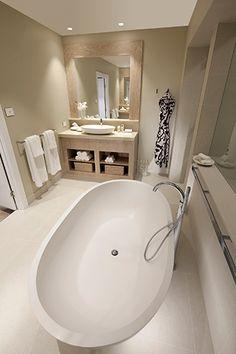 Simple yet luxury bathroom idea