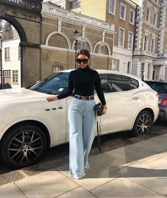 The best snow outfits and street form rocked by our preferred design and style forward super stars. Mode Outfits, Jean Outfits, Fall Outfits, Fashion Outfits, Fashion Trends, Black Women Fashion, Look Fashion, Womens Fashion, Classy Outfits