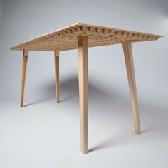 Table Kleinergleich5 la plus légère du monde - Journal du Design