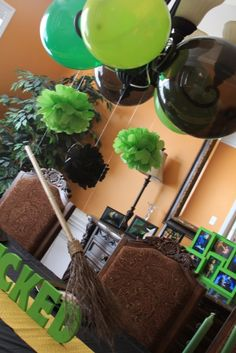 I love me some WICKED!  Some great party ideas.  I see a future party theme for Lauren!