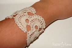 queen-annes-lace-thread-crochet-bracelet by imtopsyturvy.com, via Flickr
