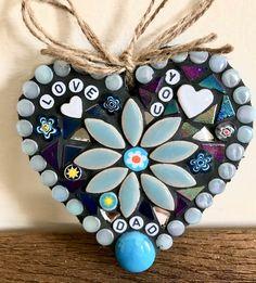Mosaic Birdbath, Mosaic Garden, Mosaic Wall Art, Presents For Dad, Photo Heart, Valentine Crafts, Mandala Art, Cut Glass, Craft Gifts