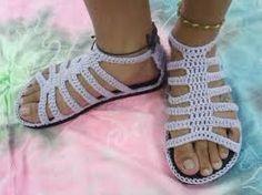 Resultado de imagem para sapatos para senhora em croche