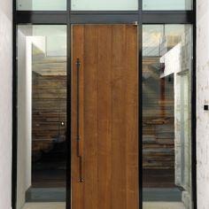 自然素材の家 駒沢モデルの部屋 玄関扉