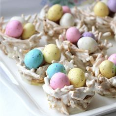 "hese edible springtime ""bird nests"" are actually made from marshmallows and chow mein noodles. (via With a Grateful Prayer and a Thankful Heart)"
