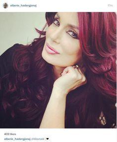 Foto #Arberia behet #flokëkuqe seksi