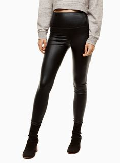 Shop latest women's pants on sale from Aritzia. Get trousers, dress pants, tailored pants, skinny pants leggings on sale from TNA, Babaton and Wilfred. Pants For Women, Clothes For Women, Thanksgiving Outfit, Leather Leggings, Skinny Pants, Dress Pants, Vegan Leather, Lifestyle Blog, How To Wear