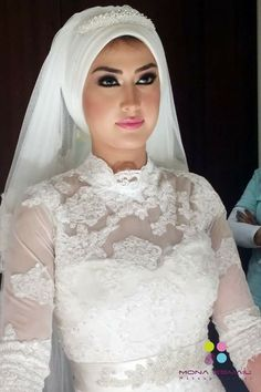 Love her hijab style (bride)