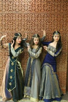 Տարազ- Armenian National Clothing - Taraz Want their headress Costume Tribal, Folk Costume, Traditional Fashion, Traditional Dresses, Armenian Culture, Costumes Around The World, Mode Boho, Ethnic Dress, Ethnic Fashion