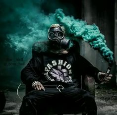 This is a new way to capture some attractive portrait by using colour gas bomb Smoke Bomb Photography, Portrait Photography, Rauch Fotografie, Motion Images, Smoke Wallpaper, Smoke Pictures, Colored Smoke, Smoke Art, Foto Art
