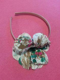 Arriva il natale...quest'anno regali hand made!!!!cerchietto con fiore